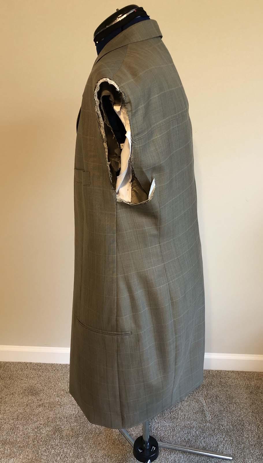 Jacket side view before the shoulder adjustment