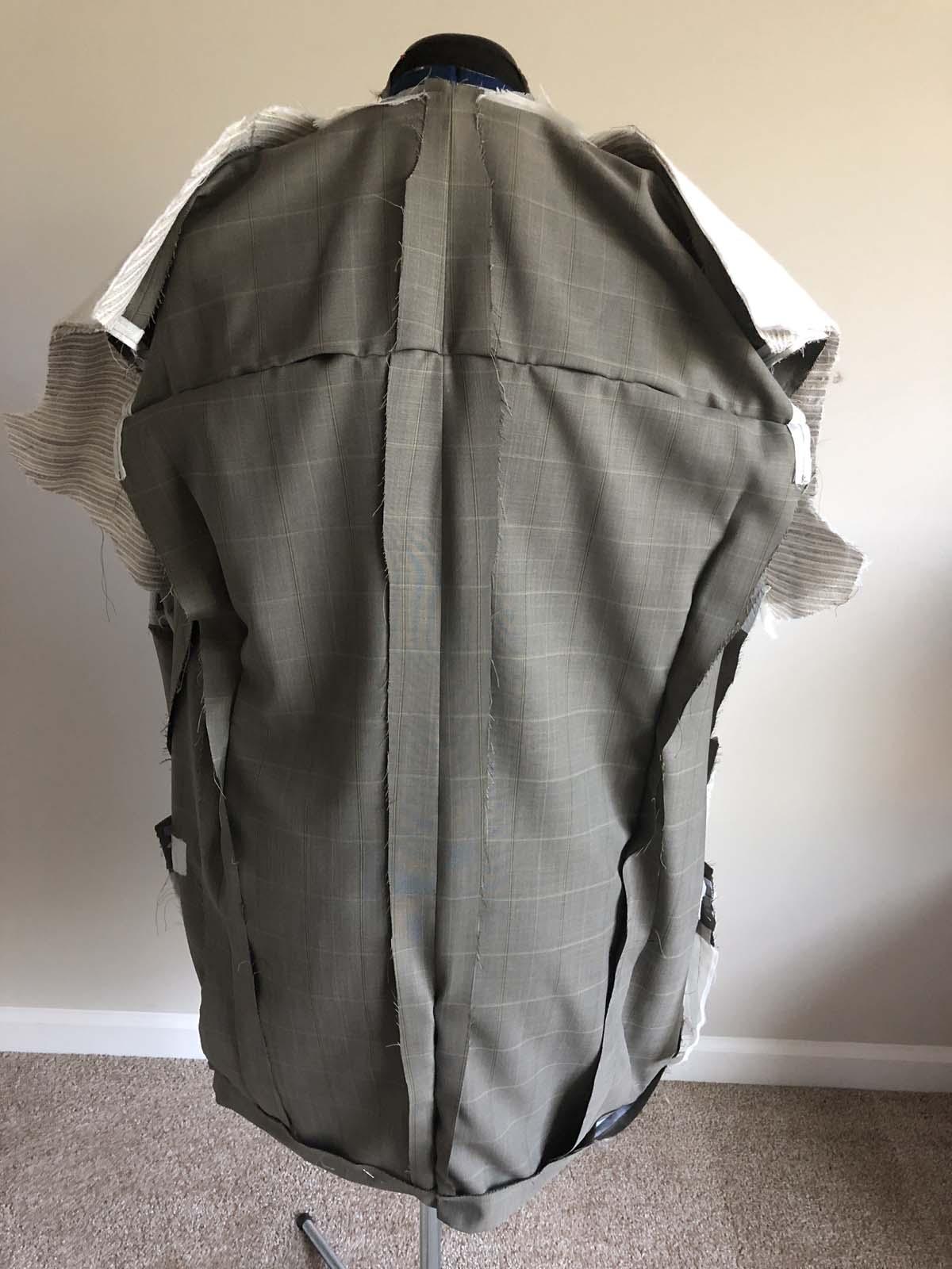 Drape-fitting the men's suit jacket body