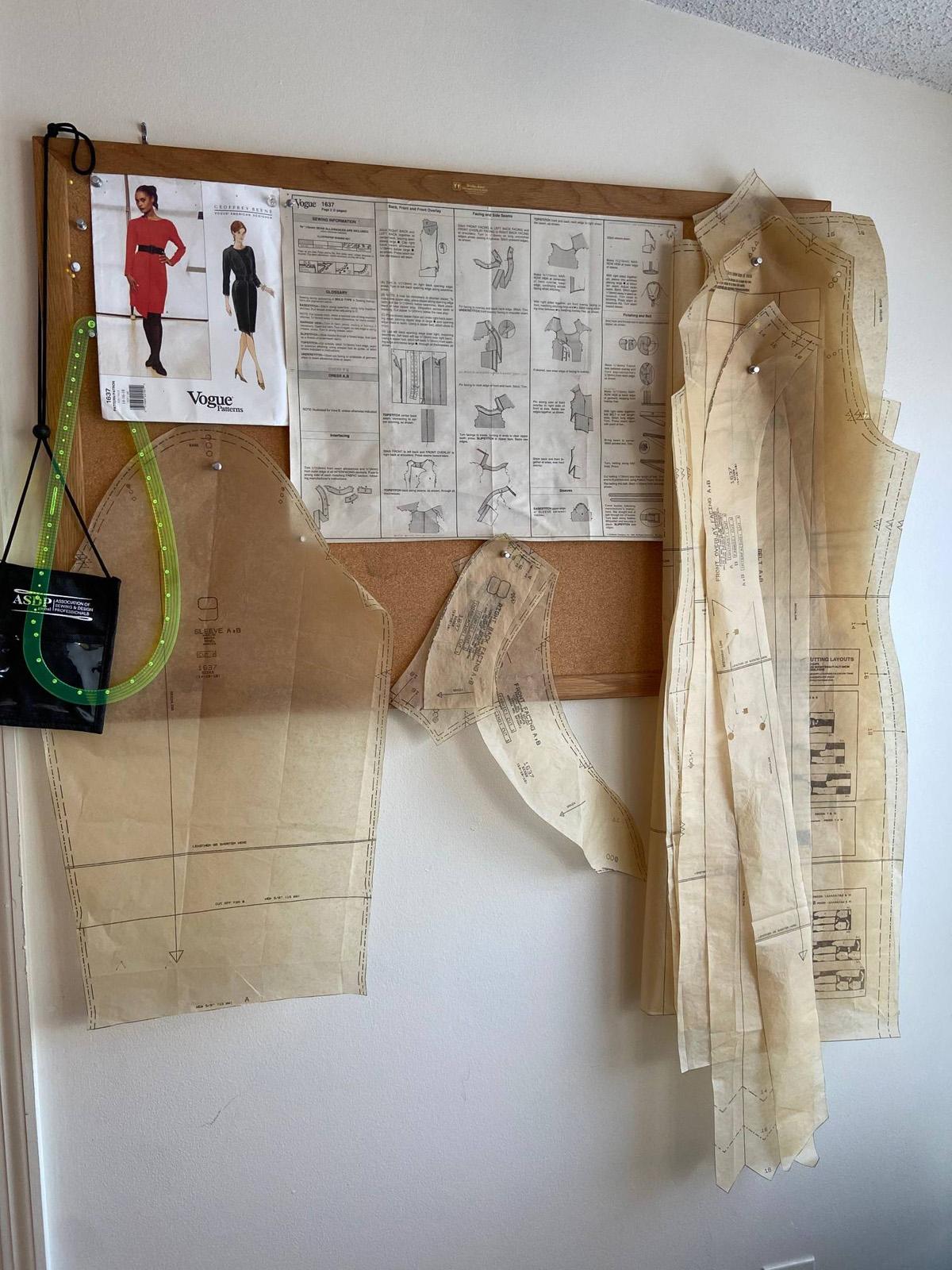 Organization tips: cork board sewing project organizer