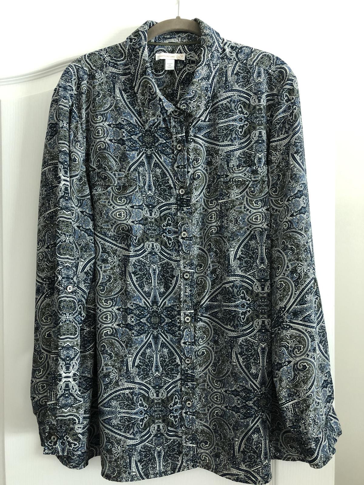 Original paisley blouse to complement the men's suit