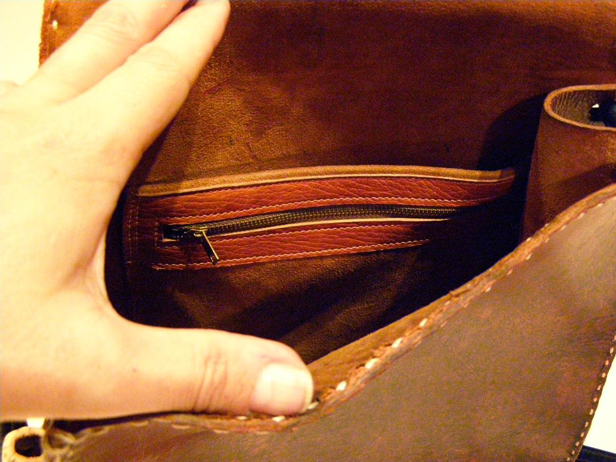 Inside Zipper of Vintage Modernist Bag