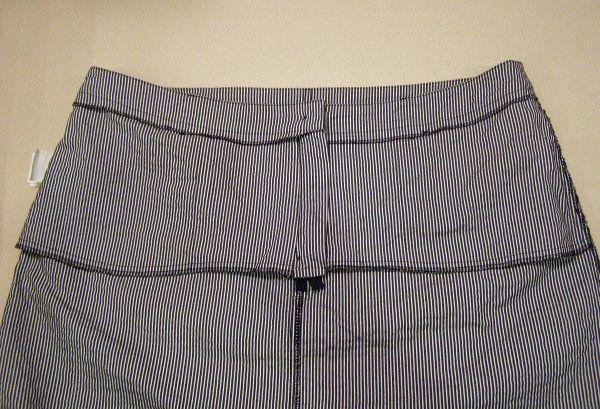 pockets inside the skirt sample