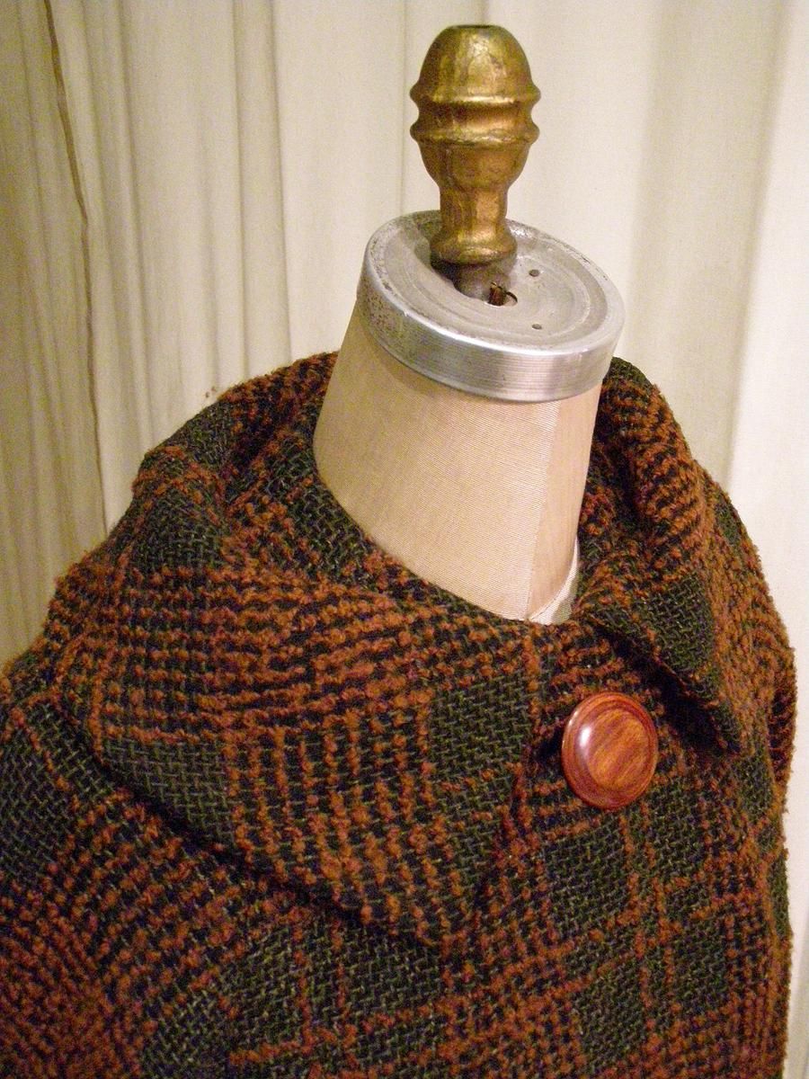 stand-away vintage collar