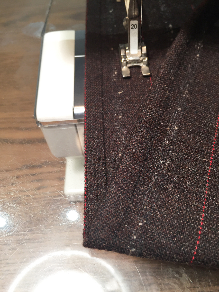 gifts to sew- scarf with long edge finish