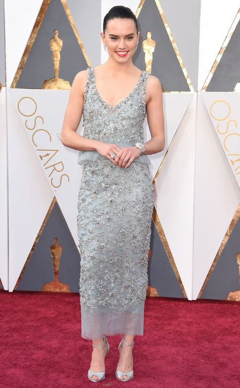 Daisy Ridley 2016 Oscars red carpet