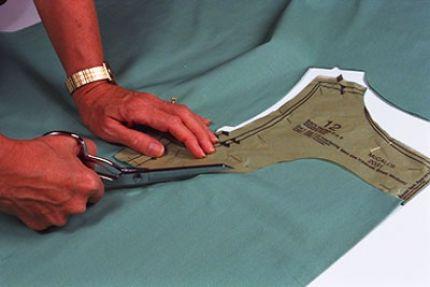 Bent-handled shears