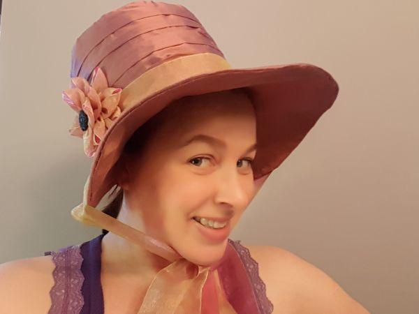 High-poke bonnet